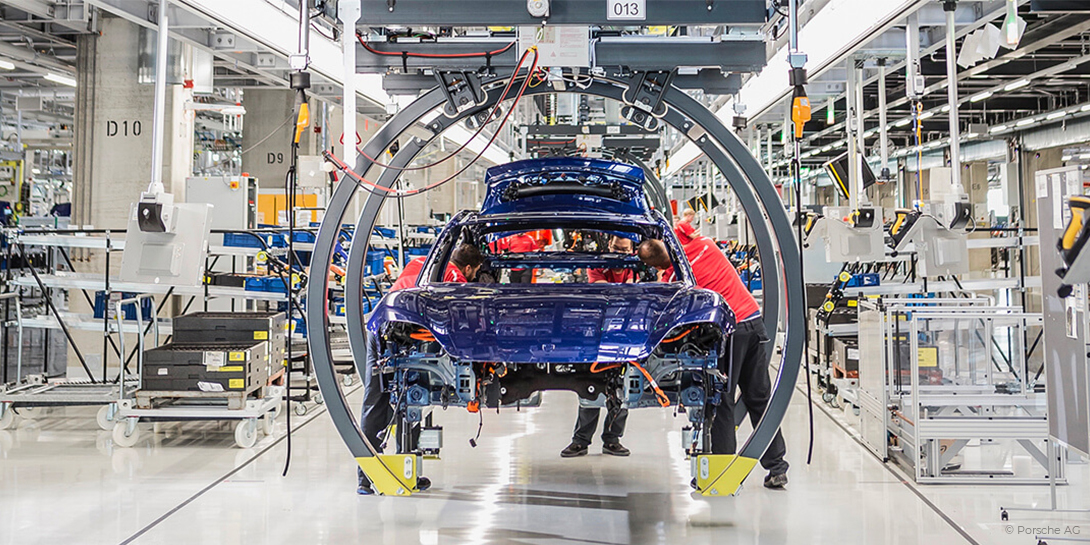 Mit digitaler Fabrikplanung realisiert: die Taycan-Fabrik in Stuttgart.